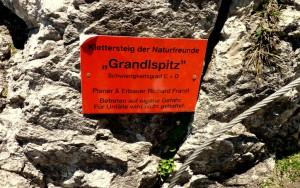 Einstiegstafel zum Grandlspitz. Die letzte Möglichkeit den Einstieg noch einmal zu überdenken.